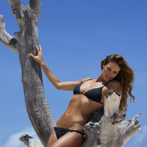 Elle Macpherson The Body for HoMedics 2