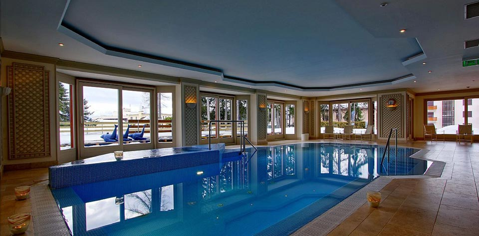 Royal Hotel Crans Montana Occitane En Provence Spa Piscina Interna