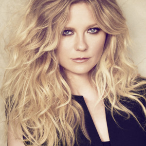 KIRSTEN DUNST Portrait - ©Matthew Brookes for L'Oréal Professionnel