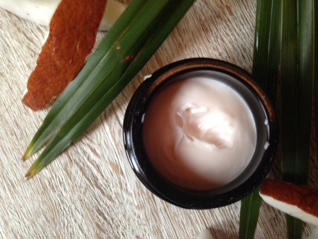 Crema schiarente cocco