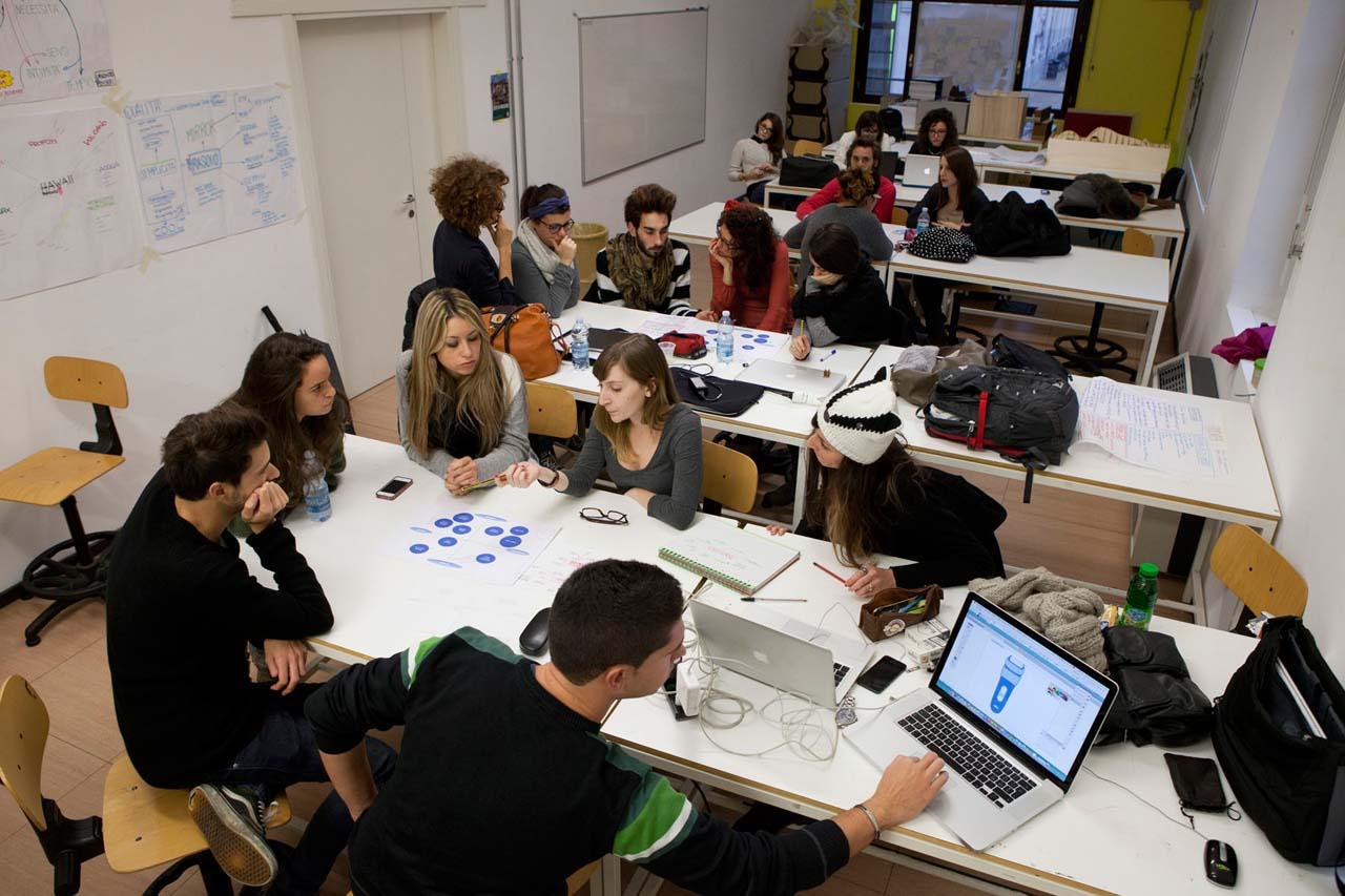Gli studenti del naba al fuorisalone con procter gamble for Milano naba