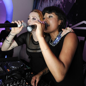 Icona Pop_performance_1