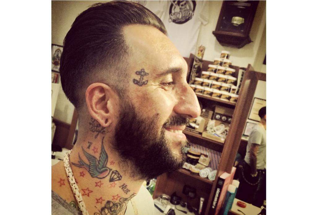 Taglio di capelli con forbici o hair tattoo i servizi offerti per i capelli
