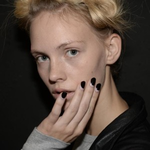 La reverse french manicure di Antonio Marras