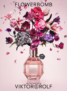 FLOWERBOMB NEW STILL LIFE PACKSHOT
