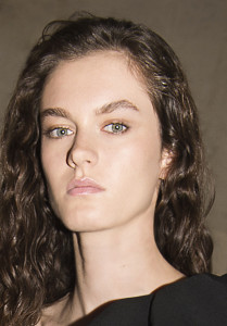 givenchy-ss18-show-beauty-look-2